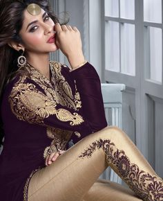 Check out these stylish beautiful fancy dresses for Eid that will certainly make you look glamorous and amazing, so check out the beautiful collection below and see if you find anything you like. Stylish Beautiful Fancy Dresses for Eid Eid Dresses, Indian Dresses, Indian Outfits, Fashion Dresses, Indian Clothes, Fashion Hair, Mehndi, Buy Salwar Kameez Online, Suits For Women