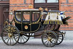 Carriages, The Royal Mews. The State Carriage. Photo: Charlotte Gawell.    kungahuset.se