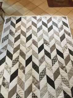 Modern Herringbone Quilt by SewingMyDream on Etsy