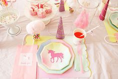 Create a magical unicorn birthday party with this charming and whimsical unicorn themed party ideas Baking Birthday Parties, Unicorn Birthday Parties, Birthday Ideas, 3rd Birthday, Unicorn Pinata, Unicorn Party, Rainbow Unicorn, Unicorn Land, Hot Chocolate Party