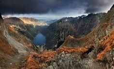 Końcowy odcinek podejścia na Przełęcz pod Chłopkiem i ścieżka wijąca się przez Kazalnicę / Tatra Mountains