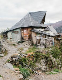Photographer Unearths a Rare Community of People Living in Harmony with Nature - My Modern Met Photographer Kevin Faingnaert ventured to Matavenero, a remote ecovillage high up in the isolated mountains of Northwest Spain, to photograph its nature-loving people.