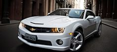 Camaro SS | Itavema Super GM O Chevrolet Camaro possui design extremamente esportivo devido seu perfil baixo e frisos aerodinâmicos, a geração atual (5ª geração) foi inspirada na 1ª geração. http://www.itavema.com.br/camaro.url.aspx