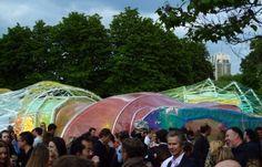 Da Londra le immagini del Serpentine Pavillion 2015, firmato dallo studio spagnolo SelgasCano. Un'enorme stella marina sintetica poggiata sul prato di Hyde Park