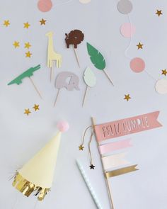 Party In A Box, Party Kit, Christmas Mood, Christmas Wrapping, Diy Arts And Crafts, Paper Crafts, Diy Cake Topper, Cake Toppers, Creative Gift Wrapping