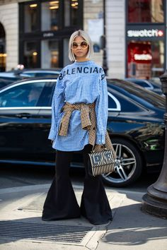 Unstuffy Suits Were All the Street Style Crowd Wanted to Wear on Day 8 of Paris Fashion Week - Fashionista Women's Summer Fashion, Fashion 2020, Street Fashion, Paris Fashion, Black Women Fashion, Womens Fashion, Look Girl, Mode Inspiration, Fashion Inspiration
