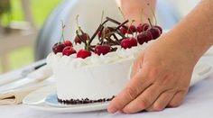 Scopri la ricetta della torta Foresta Nera del maestro Ernst Knam giudice di Bake Off Italia