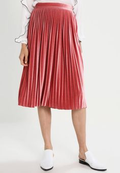 fbdd78701d8 Vero Moda. VMGIAGIA - Jupe trapèze - faded rose. Composition 95% polyester