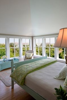 House of Turquoise: Polhemus Savery DaSilva + Giveaway Winner!  all the amazing windows in this house. Just gorgeous
