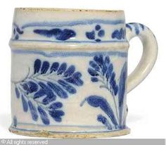 BLUE AND WHITE SMALL MUG   Date : ca 1680/1720