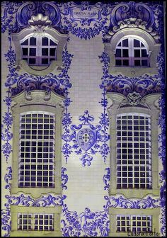 Blue and White Exterior, Portugal This is the design for the castle in Divide :)