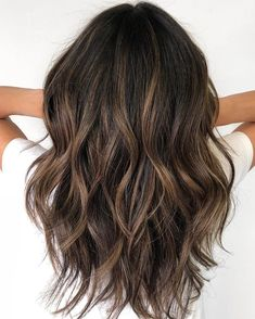 60 Hairstyles Featuring Dark Brown Hair with Highlights – Balayage Haare Highlights For Dark Brown Hair, Brown Hair Balayage, Brown Blonde Hair, Light Brown Hair, Hair Color Balayage, Brown Hair Colors, Bronze Highlights, Blonde Ombre, Hair Color Ideas For Black Hair