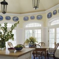 plates on the wall are one of my favorite ways to decorate. A piece of blue and white pottery fits in every room, like a black lampshade, it brings warmth to any space, try it!
