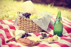 There's nothing like a good old fashioned picnic :)