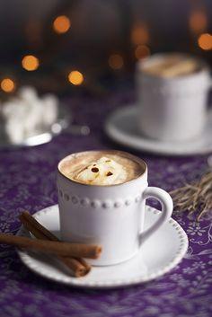 Heisse Schokolade mit Marshmallows und Zimt | Zeit: 15 Min. | http://eatsmarter.de/rezepte/heisse-schokolade-mit-marshmallows-und-zimt