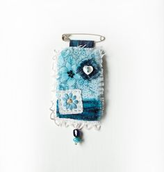 Blue Vintage Fabric Textile Brooch Pin / Pendant, Buttons and Beads, Shabby Chic