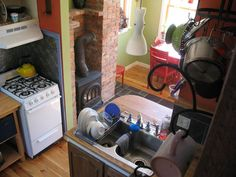 tumbleweed enesti 2--micro kitchen!
