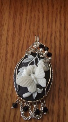 black and white butterfly cameo Cameo Jewelry, Beaded Jewelry, Silver Work, Cameo Pendant, Butterfly Jewelry, Thing 1, Sculpture, Jewelery, Vintage Jewelry