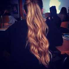 Casual Long Ponytail - Hairstyles and Beauty Tips