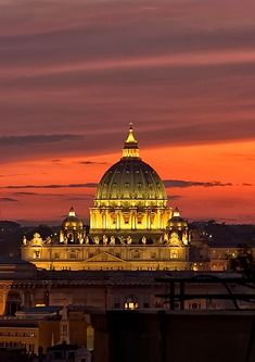 Sunset over Basilica di San Pietro, Vatican (by snowboarder).