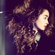 Can I just have her hair please? Curly Hair Tips, Curly Hair Styles, Natural Hair Styles, Ella Eyre, Famous Girls, Natural Curls, Curly Girl, Afro Hairstyles, Hollywood Stars
