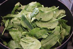 Cathrines matblogg: Pai med kylling og spinat. Lettuce, Spinach, Vegetables, Food, Veggies, Veggie Food, Meals, Vegetable Recipes, Yemek