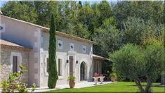 Vidéki házak - Lakberendezési stílusok Old Stone Houses, Natural Garden, Toscana, Hd Images, Minimalism, Pergola, Villa, Environment, Patio