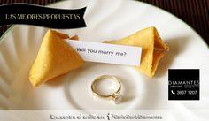 Que la #suerte acompañe a ti y a tu pareja durante toda su historia de #amor con una #propuesta matrimonial como esta.  ¡Encuentra el anillo ideal en nuestro Facebook o Instagram!  #LasMejoresPropuestas #CarloConti #Gdl #GaleríaJoyera