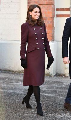 Esta es la razón por la que Kate Middleton no puede quitarse el abrigo en público