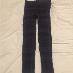 Lululemon Chevron Ebb to Street Pant Size 4 Lululemon Ebb to Street pant in a rare and highly sought after chevron pattern. They are a size 4. They were worn once, washed in cold water, and air dried. There are no issues to report. They have no pulls, pilling, marks, stains, etc. No trades please, offers accepted. Will ship same day or next day after purchase. lululemon athletica Pants Ankle & Cropped