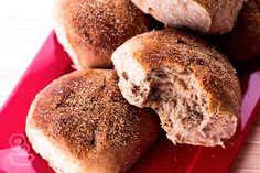 aprenda a preparar esse pão tipo australiano na máquina de pão ou sovando a massa manualmente