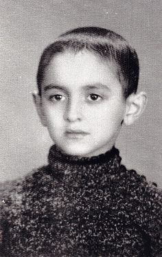 Jona - Joncie Posner.  The picture is the courtesy of Auschwitz Jewish Centre.