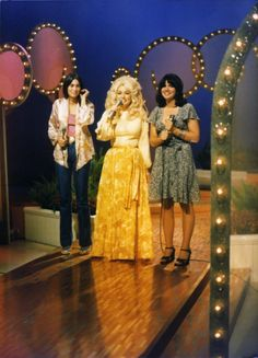 Emmylou, Dolly, and Linda [Trio]