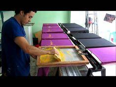 Serigrafía y Estampados Screen Printing Press, Screen Printing Shirts, Creative T Shirt Design, Creative Studio, Vinyl Craft Projects, Stencil Printing, Vinyl Tumblers, Silhouette Cutter, Diy Home Crafts