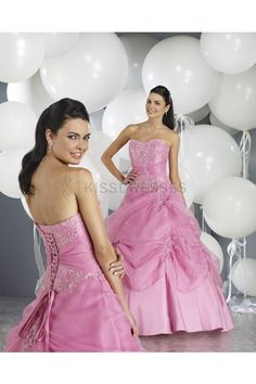 Slight Sweetheart Taffeta Dress With Applique