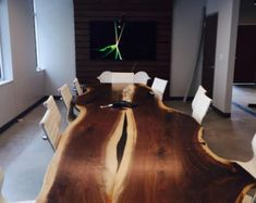 Totally in love with these live-edge tables made by the GreenTree Team in Collingwood, Ontario. Gorgeous!