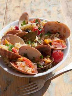Een zalig zomers recept van venusschelpen en pasta, om duimen en vingers af te likken, in de letterlijke betekenis van het woord !