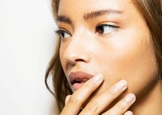 How to Squeeze Your Spots at Home (The Facialist-Approved Way)