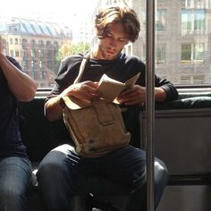 The newest internet trend is called 'Hot Dudes Reading' and it involves a bunch of hot guys reading books, magazines, and newspapers on the subway. Handsome Men Quotes, Handsome Arab Men, Beautiful Women Quotes, Guys Read, Book Instagram, Instagram Accounts, Latest Instagram, Men Quotes Funny, Toddler Girls