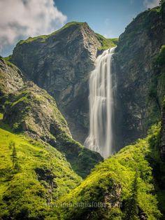 Der Schleierfall in Mittersill ist ein Wasserfall, der mich sehr beeindruckt hat. Das Bild kannst du dir auch an die Wand hängen. ;-) Salzburg, Hotels, Water, Outdoor, Italia, Waterfall, To Draw, Pictures, Gripe Water