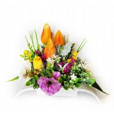 Veľká noc je za rohom a s ňou prichádza aj jarné obdobie. Vyzdobte si svoju domácnosť krásnymi dekoráciami z našej ponuky. Stačí si vybrať a nakupovať. Floral Wreath, Easter, Wreaths, Display, Plants, Home Decor, Flower Arrangements, Floor Space, Floral Crown
