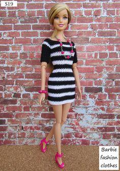 Mesmerizing Crochet an Amigurumi Rabbit Ideas. Lovely Crochet an Amigurumi Rabbit Ideas. Crochet Doll Dress, Crochet Barbie Clothes, Doll Clothes Barbie, Barbie Dress, Barbie Doll, Moda Barbie, Fashion Dolls, Fashion Outfits, Fashion Clothes