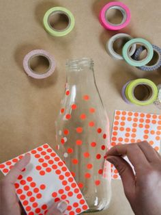 #DIY Dot Flower Vase #crafts http://www.ivillage.com/homemade-gifts-kids-make/6-b-407990#506301