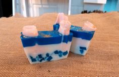 Glycerin soap with peppermint oil. Peppermint Oil, Glycerin Soap, Gifts For Friends, Soaps, Essential Oils, Hair Beauty, Desserts, Hand Soaps, Tailgate Desserts