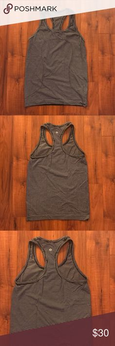 Lululemon work out top Great condition, work out top!! lululemon athletica Tops Tank Tops