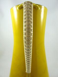 Danish Vintage is hot [JENS QUISTGAARD ENAMEL PITCHER KOBENSTYLE 1960S] Mid-century Modern, Modern Design, Small Sculptures, Enamels, Mid Century Modern Furniture, Mellow Yellow, Furniture Styles, Mid Century Design, Scandinavian Design