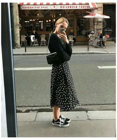 White Skirt Outfits, Dresses With Vans, Winter Dress Outfits, Casual Outfits, Fashion Outfits, Style Fashion, Classy Fashion, Travel Fashion, Party Fashion