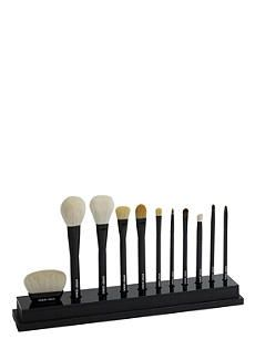 Brimming with the likes of Charlotte Tilbury, Zoeva, HUDA Beauty and more, our specially curated make-up edit is the place for true beauty aficionados. Blush Brush, Lip Brush, Giorgio Armani Cosmetics, Armani Makeup, Couture Makeup, Makeup Blending, Makeup Eyeshadow Palette, Blush Makeup, Face Makeup