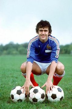 The Beautiful Game as once represented by Michel Platini the player Football Icon, Best Football Players, Retro Football, Football Pictures, Football Kits, Vintage Football, Sport Football, Soccer Players, Michel Platini