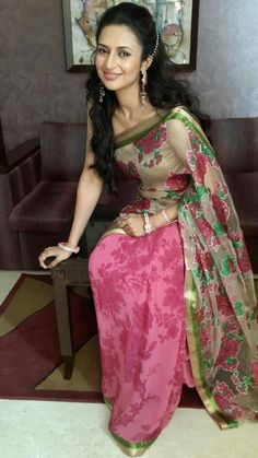 Ishra at the launch of Aradhana Fashions